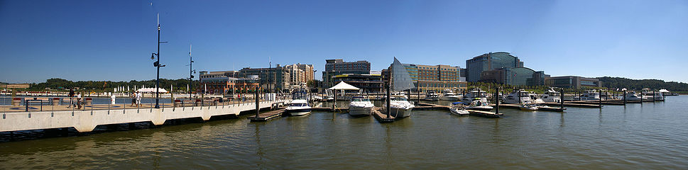 04 969px-National Harbor Panorama